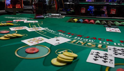 Basic Strategies To Play Online Blackjack Blog Featured Image